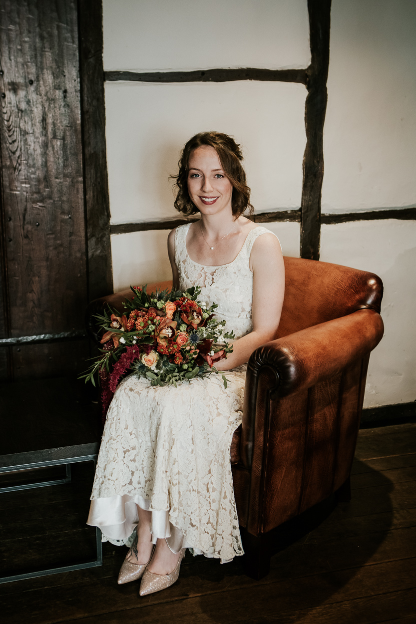 Wedding - wedding photographer - wedding photography - bridal photography - old amsersham - kings chapel -